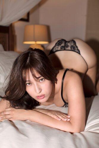 平田梨奈セクシー画像