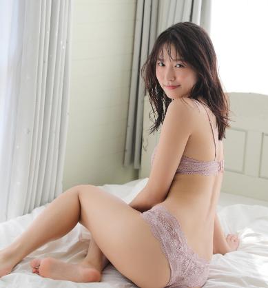 志田音々セクシー画像