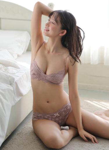 日本一かわいいビキニの女子大生・志田音々
